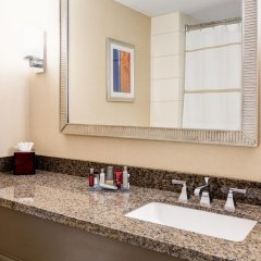 Bethesda North Marriott Hotel & Conference Center ванная