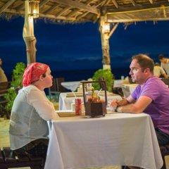 Отель Lanta Nice Beach Resort Ланта гостиничный бар