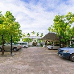 Отель Bang Tao Beach Pool Villa парковка