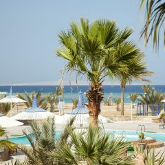 Отель Coral Beach Resort бассейн фото 2