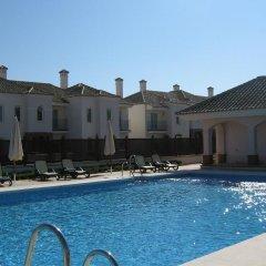 Отель Arcos Golf Villa Ana бассейн