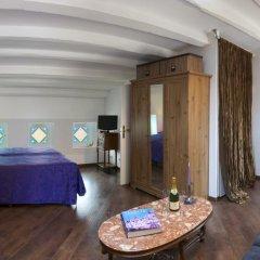 Отель El Petit Palauet Люкс с различными типами кроватей фото 33