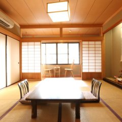 Отель Marucho Ryokan Минамиогуни комната для гостей фото 3