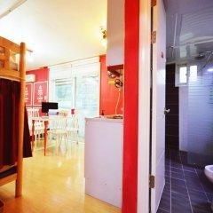 Отель Han River Guesthouse 2* Семейная студия с двуспальной кроватью фото 7
