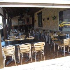 Отель Hostal Avenida Испания, Кониль-де-ла-Фронтера - отзывы, цены и фото номеров - забронировать отель Hostal Avenida онлайн питание