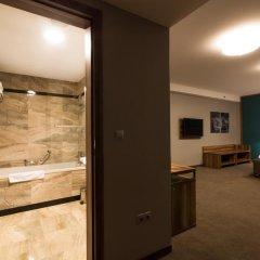 Отель Holiday Inn Krakow City Centre 5* Представительский номер с различными типами кроватей фото 3