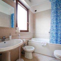 Отель Domus BB Plaza Guest House ванная фото 2