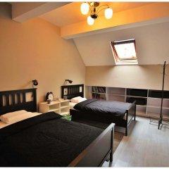 Wheat Youth Hostel Стандартный номер с двуспальной кроватью (общая ванная комната)