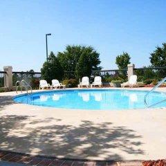 Отель Hampton Inn Concord/Kannapolis бассейн