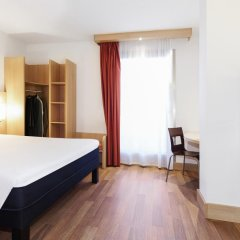 Hotel ibis Madrid Aeropuerto Barajas 2* Стандартный семейный номер с двуспальной кроватью фото 2