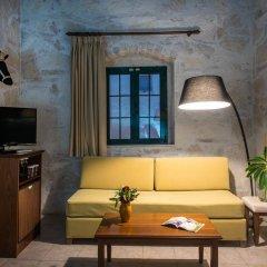 Отель Happy Cretan Suites комната для гостей
