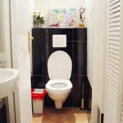 Отель Paranjib Guesthouse Франция, Париж - отзывы, цены и фото номеров - забронировать отель Paranjib Guesthouse онлайн ванная