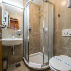 Garni Hotel Le Petit Piaf 3* Стандартный номер с различными типами кроватей фото 12