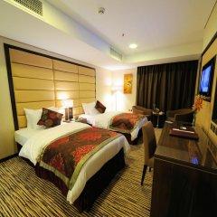 Al Hamra Hotel 4* Номер Делюкс с различными типами кроватей