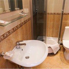 Гостиница У фонтана 3* Улучшенный номер двуспальная кровать фото 3