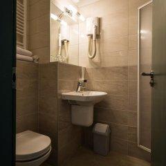 Corvin Hotel Budapest - Corvin wing ванная фото 2