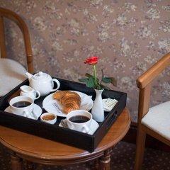 Гостиница Айвазовский Улучшенный номер с 2 отдельными кроватями фото 4