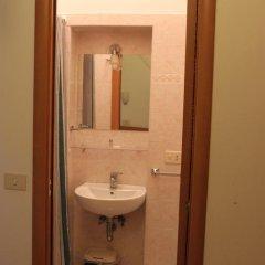 Отель Merulana Star Номер категории Эконом с различными типами кроватей фото 18