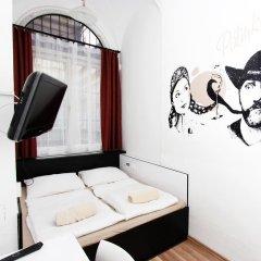 Adagio Hostel 1.0 Oktogon Стандартный номер с двуспальной кроватью фото 4