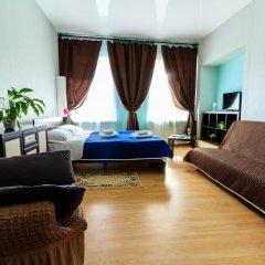 Мини-отель Белая ночь 2* Стандартный семейный номер с двуспальной кроватью (общая ванная комната) фото 3