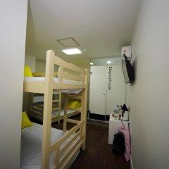 Отель 24 Guesthouse Seoul City Hall 2* Стандартный номер с двухъярусной кроватью фото 10