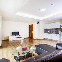 Апартаменты Pratumnak Hill Apartment 1 Bedroom Паттайя комната для гостей фото 2