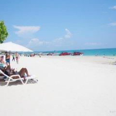 Отель Nong Nuey Rooms Таиланд, Ко Самет - отзывы, цены и фото номеров - забронировать отель Nong Nuey Rooms онлайн пляж