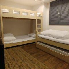 Отель Monster Guesthouse 2* Стандартный семейный номер с двуспальной кроватью фото 3