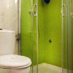 Отель Romano Hostel Португалия, Валонгу - отзывы, цены и фото номеров - забронировать отель Romano Hostel онлайн ванная