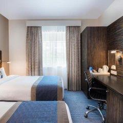 Отель Holiday Inn Express Dubai Safa Park 2* Стандартный номер с различными типами кроватей фото 2