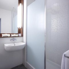 Отель Campanile Lyon Centre - Gare Part Dieu 3* Стандартный номер с различными типами кроватей фото 3