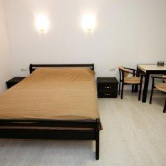 Гостиница Plosha Rynok 25 комната для гостей фото 3