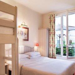 Отель Campanile Val de France 3* Стандартный номер с двухъярусной кроватью фото 12