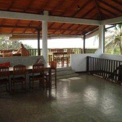 Отель Fort Dew Villa Шри-Ланка, Галле - отзывы, цены и фото номеров - забронировать отель Fort Dew Villa онлайн бассейн