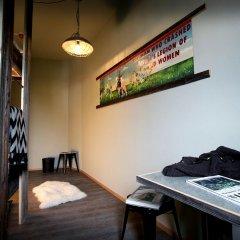 Gspusi Bar Hostel Стандартный номер с 2 отдельными кроватями (общая ванная комната) фото 5