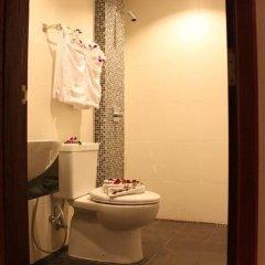 Отель Patong Hemingways 3* Улучшенный номер двуспальная кровать фото 19