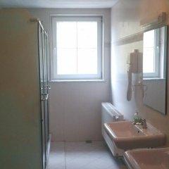 Hotel Penzion Praga 3* Стандартный номер с двуспальной кроватью (общая ванная комната) фото 4