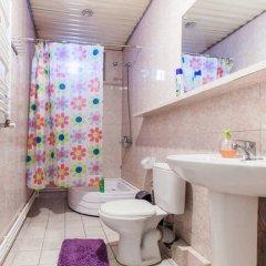 Отель Dvizh Hostel Eli Spali Грузия, Тбилиси - отзывы, цены и фото номеров - забронировать отель Dvizh Hostel Eli Spali онлайн ванная