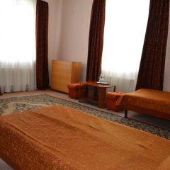Гостиница Мотель Транзит Номер с общей ванной комнатой с различными типами кроватей (общая ванная комната) фото 6