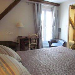 Отель Hôtel Exelmans 2* Улучшенный номер с двуспальной кроватью фото 2