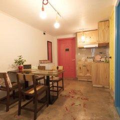 Lazy Fox Hostel Кровать в мужском общем номере с двухъярусной кроватью