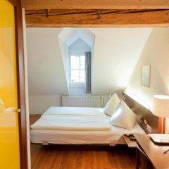 Отель Goldener Schlüssel 3* Стандартный номер с двуспальной кроватью фото 6