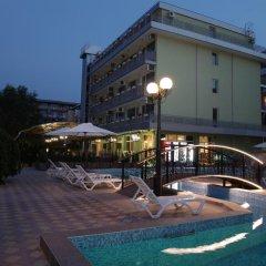 Отель Zaara Болгария, Солнечный берег - отзывы, цены и фото номеров - забронировать отель Zaara онлайн бассейн