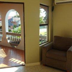 Отель Bluewater Lodge - Hostel Фиджи, Вити-Леву - отзывы, цены и фото номеров - забронировать отель Bluewater Lodge - Hostel онлайн балкон