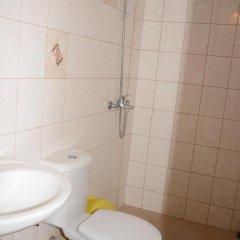 Отель Veda Guest House Болгария, Поморие - отзывы, цены и фото номеров - забронировать отель Veda Guest House онлайн ванная фото 2