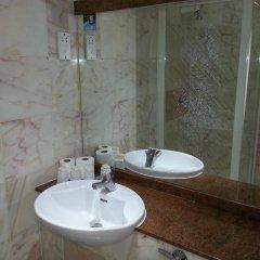 Manor Hotel ванная