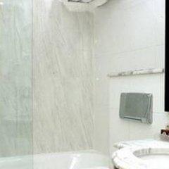 Отель Victoires Opera Париж ванная