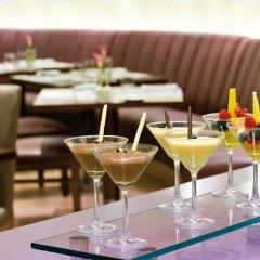 Отель Mövenpick Hotel Bur Dubai ОАЭ, Дубай - отзывы, цены и фото номеров - забронировать отель Mövenpick Hotel Bur Dubai онлайн питание фото 2