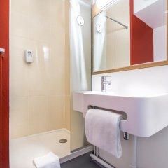 Отель B&B Hôtel CANNES Ouest La Bocca 3* Стандартный номер с разными типами кроватей фото 4