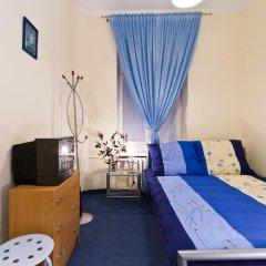 Отель Relax - usługi noclegowe Номер с общей ванной комнатой с различными типами кроватей (общая ванная комната)